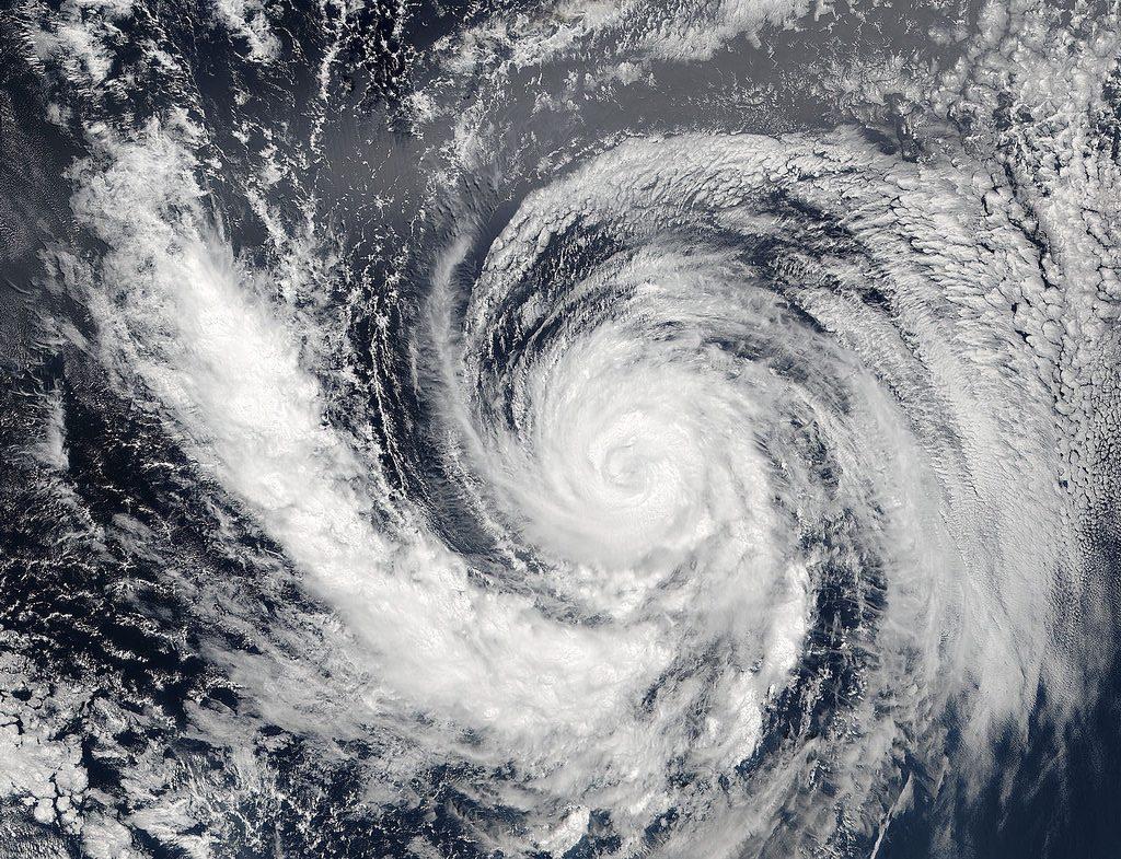 Conférence Paris risques naturels catastrophes cyclones séismes réchauffement volcans tsunami inondations